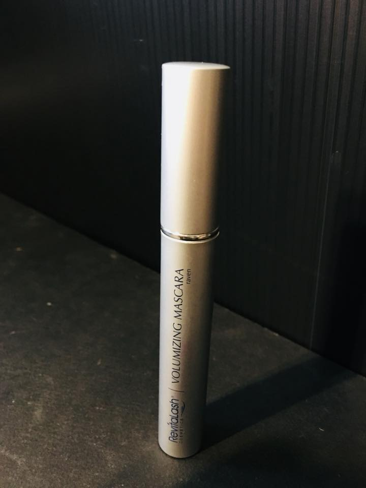 JANE iredaleのREVITALASH (voluming mascara)